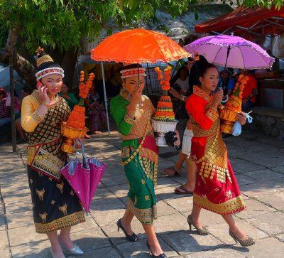 Singlereise Indochina - 3 Schönheiten beim Pi Mai Lao