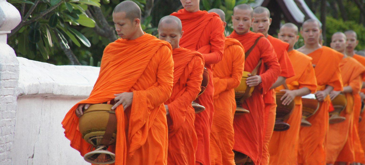 Singlereise Indochina - laotische Mönche