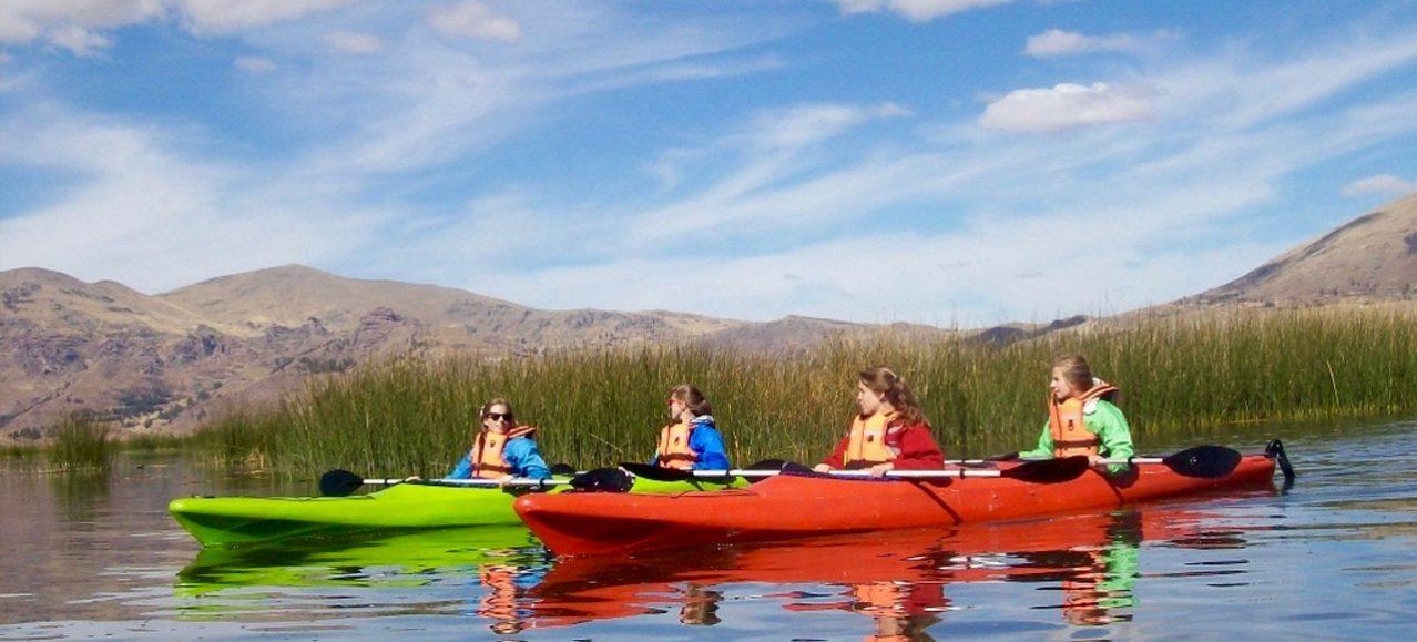 Singlereise Peru - Kanuten auf dem Titicacasee