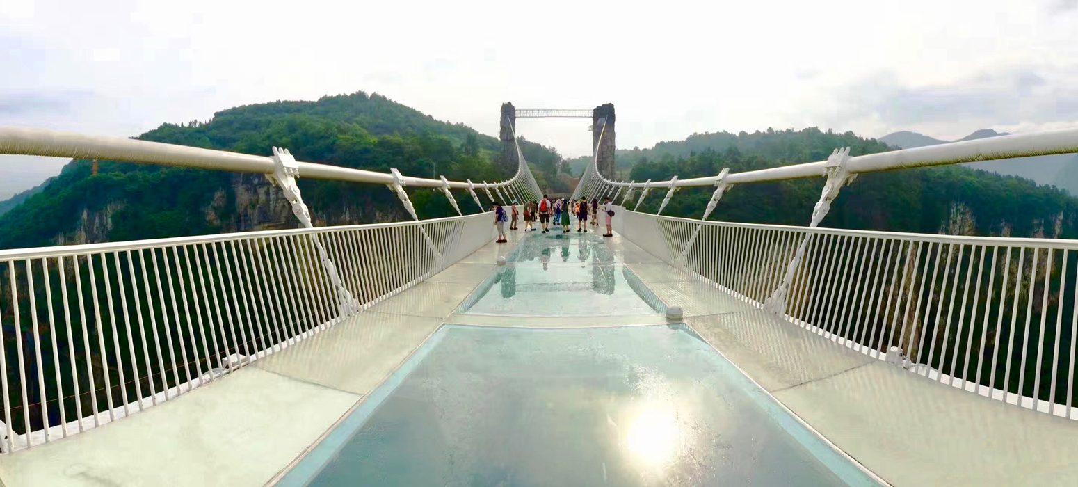Große Singlereise China - Glasboden-Brücke in Zhangjiajie
