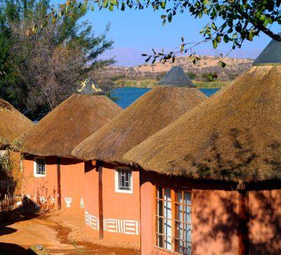 Singlereise Namibia - Traditionelle Lehmhütten